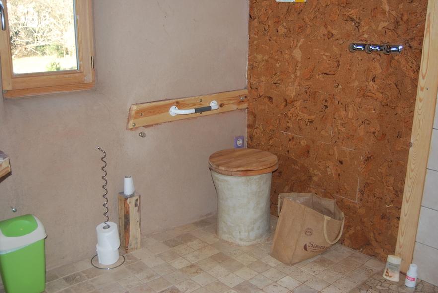 Toilettes sèches
